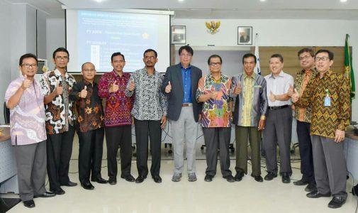 Ketua STKIP Bina Bangsa Meulaboh Melakukan Penandatanganan Kerjasama Program PT Asuh dengan Unsyiah