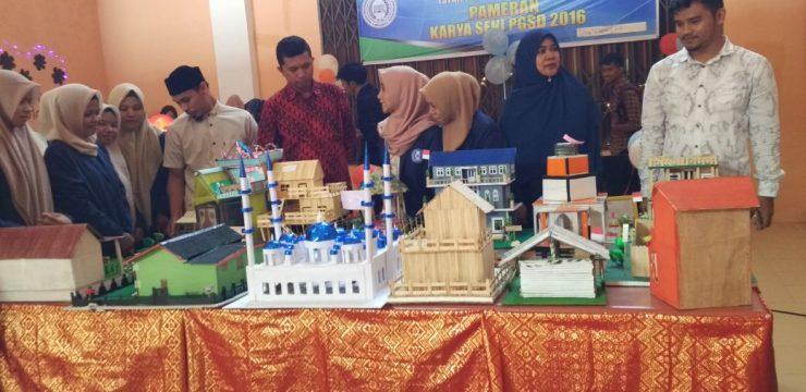 Pameran Karya Seni Mahasiswa PGSD dalam Rangaka HUT RI ke 73 Tahun 2018