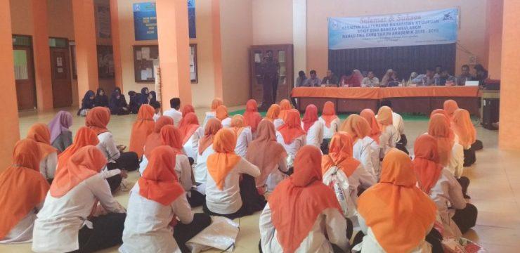 Slaturahmi Mahasiswa Baru Keguruan STKIP Bina Bangsa Meulaboh